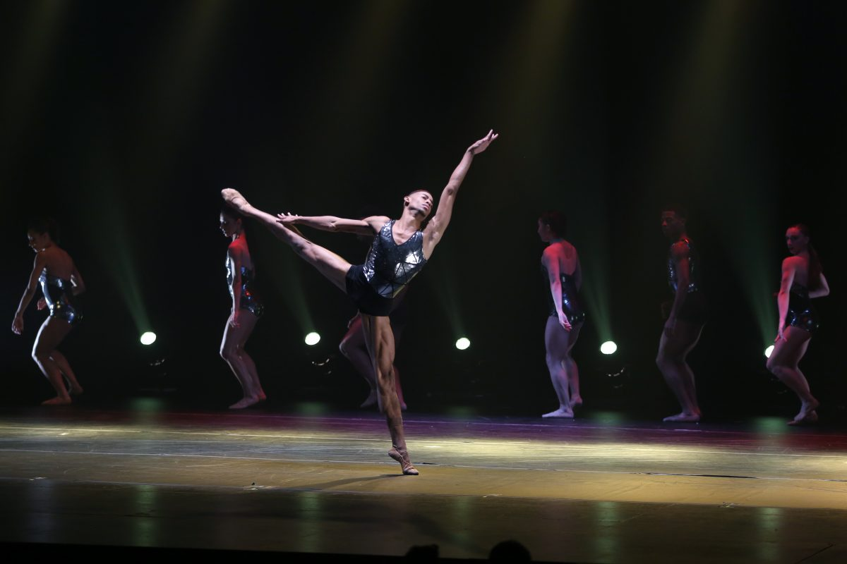 Complexions Kicks Convention to the Curb